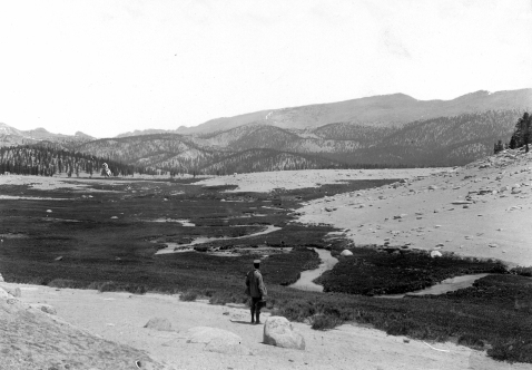 """""""Stream meanders, Volcano Creek, Tulare County, California. 1903."""" from GK Gilbert photos collection, USGS. Andrew Lawson is in foreground; the two were considering the gentle high topography of the region."""